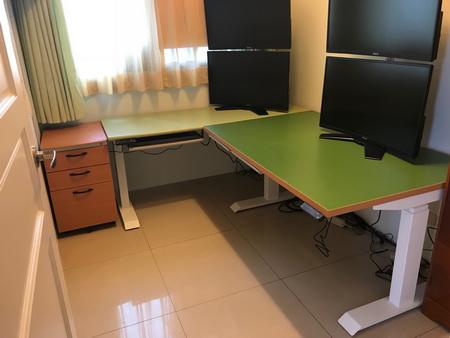 鋼製桌腳,白色烤漆塗裝,上支寬58,下支寬68 升降高度64~129 寬度有120/140/150/160/180深度70
